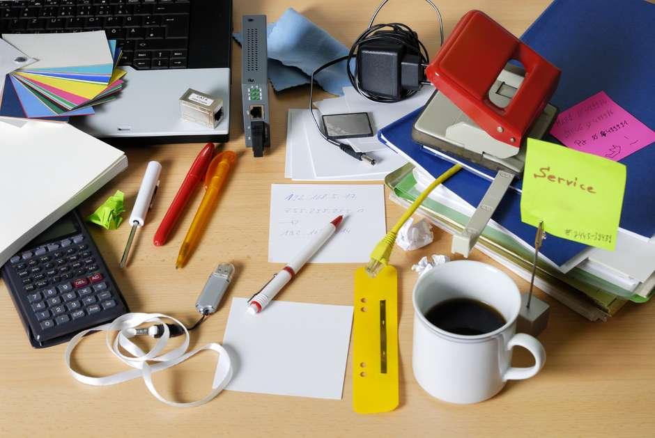 Ingat, 6 Benda Ini Tidak Perlu Ada di Meja Kerja