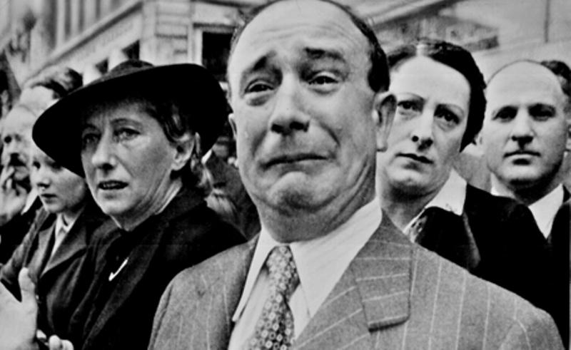 HISTORIPEDIA: Prancis Menyerah ke Bawah 'Ketiak' Jerman