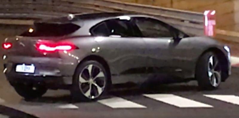Jaguar I-Pace tepergok saat sedang diuji coba (Agenda-Automobile)
