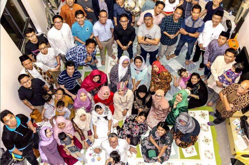 https: img.okezone.com content 2017 06 18 18 1719204 tak-hanya-takjil-ini-ramadan-khas-indonesia-yang-dikangenin-wni-di-china-1w56zjqOF5.jpg