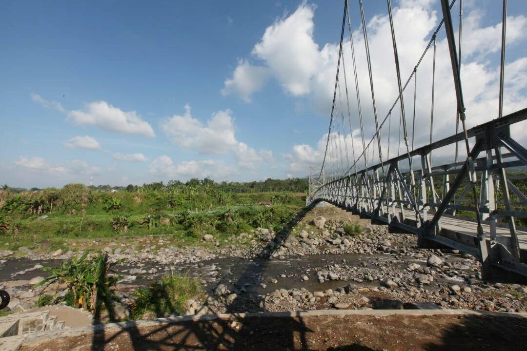 Bangun Jembatan Gantung, Kementerian PUPR Mudahkan Akses Masyarakat Temanggung