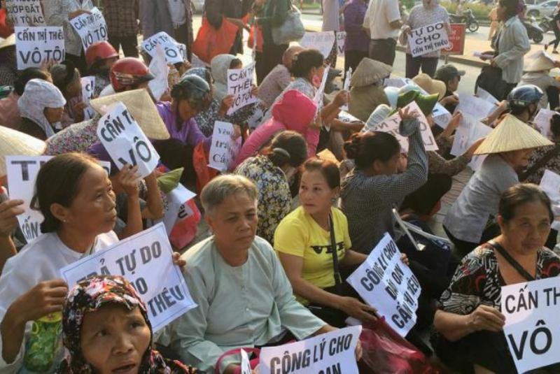 Ilustrasi. Unjuk rasa tuntut pemerintah hentikan kekerasan di Vietnam. (Foto: dok. HRW)