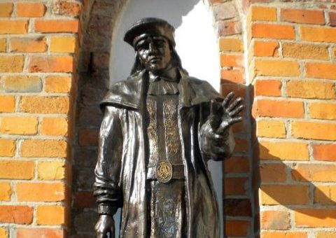 Patung Raja Erik VII dari Pomerania (Foto: The Vintage News)