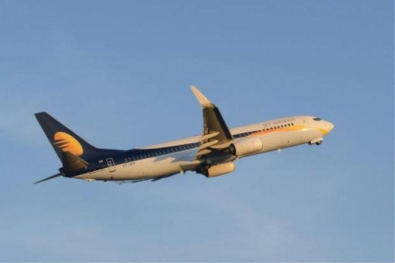 Maskapai Jet Airways memberi hadiah terbang gratis bagi seorang bayi di India (Foto: AFP)