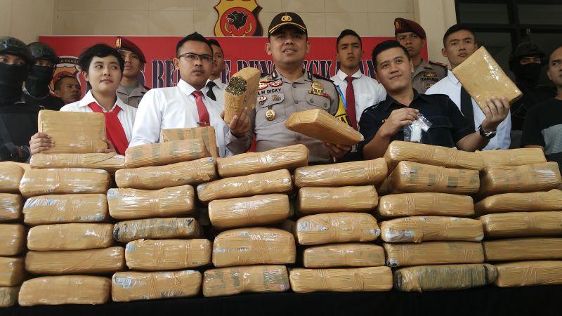 Barang bukti ganja yang diamankan Polres Bogor(Foto: Putra Ramadhano Astyawan/Okezone)