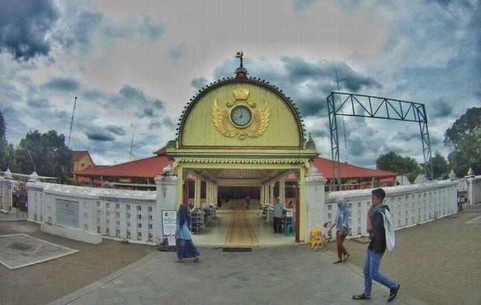 JELAJAH ISLAM: 3 Masjid Tercantik di Sepanjang Jalur Mudik Yogyakarta