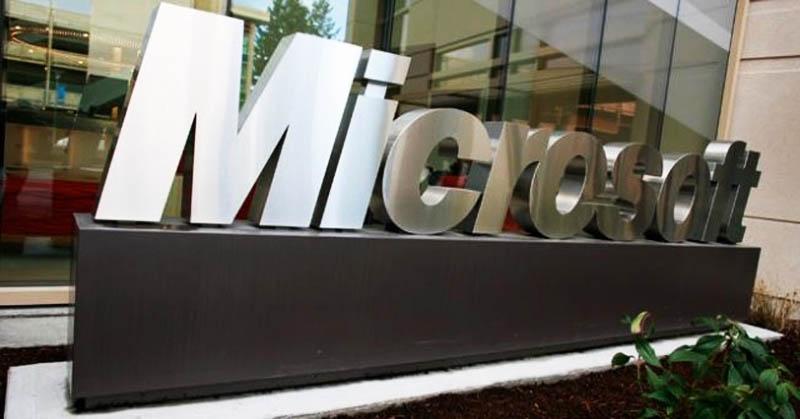 Microsoft Tuding Apple Tiru Tablet Surface