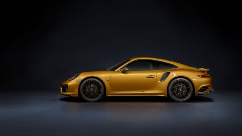 Porsche 911 Turbo S Exclusive (Youtube)