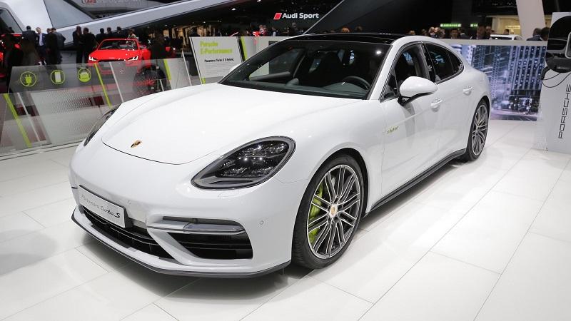 Porsche Panamera Turbo S E Hybrid (Motor1)