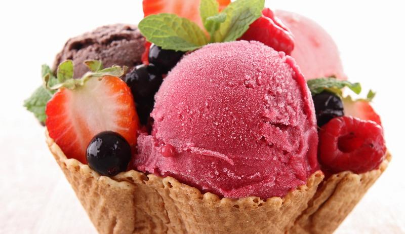https: img.okezone.com content 2017 06 20 298 1720802 pop-sugar-es-krim-ini-punya-berat-hampir-setengah-kilo-49eNj1gstH.jpg