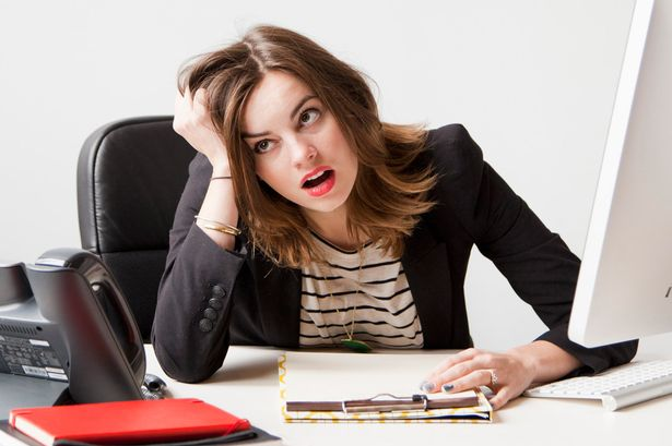 https: img.okezone.com content 2017 06 21 196 1721800 moms-ini-alasannya-jangan-bawa-stres-pekerjaan-ke-rumah-qDqtLBA5XY.jpg