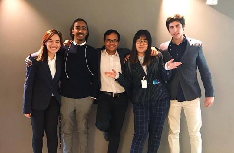 https: img.okezone.com content 2017 06 22 18 1722642 puasa-16-jam-mahasiswa-indonesia-bikin-di-as-kaget-teman-sekampus-YdFbAlBsdC.jpg