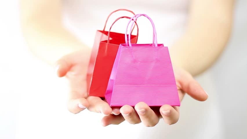 Kebiasaan Belanja Jelang Lebaran Justru Bikin Boros