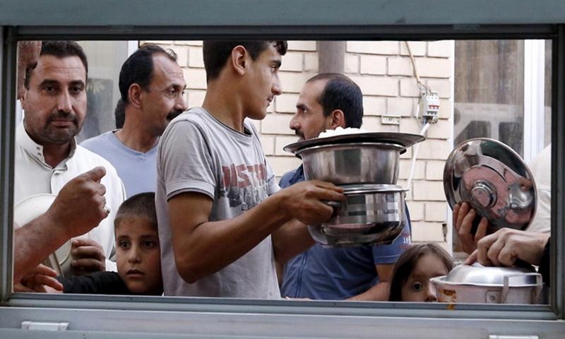 Ramadan dan Lebaran Bersahaja di Tengah Perang