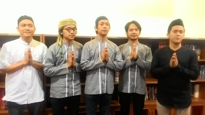 https: img.okezone.com content 2017 06 23 205 1723743 konsen-di-bidang-agama-d-masiv-hijrah-jadi-band-religi-irM69a906s.jpg
