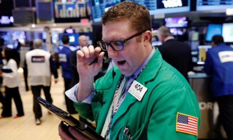 Wall Street Flat, Saham Kesehatan Kembali Cetak Rekor
