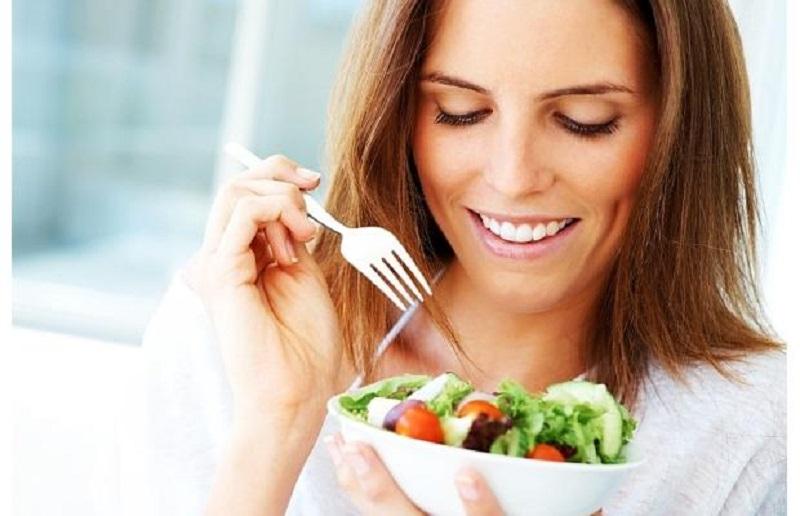 https: img.okezone.com content 2017 06 23 481 1723733 libur-lebaran-kolesterol-terjaga-rutin-konsumsi-9-makanan-ini-sXKs04kRrQ.jpg