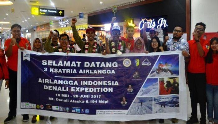 https: img.okezone.com content 2017 06 29 65 1725735 kisah-mahasiswa-indonesia-berhasil-taklukkan-gunung-denali-di-as-bzK3Y6Gadi.jpg
