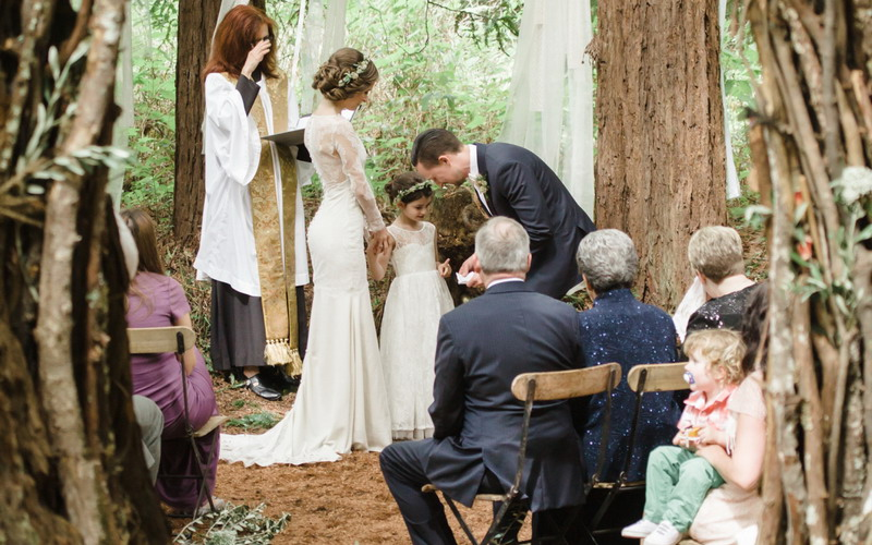 https: img.okezone.com content 2017 07 04 196 1728223 single-mom-ingin-menikah-lagi-ajak-anak-pilih-desain-gaunnya-ya-agar-tak-sedih-OuN1X9ezSe.jpg