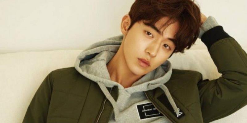 https: img.okezone.com content 2017 07 05 206 1728809 nam-joo-hyuk-siap-akting-di-film-layah-lebar-5ILOmacNMk.jpg