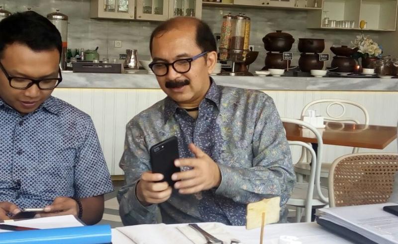 https: img.okezone.com content 2017 07 07 278 1730752 lunasi-utang-abm-lnvestama-terbitkan-global-bond-usd450-juta-di-singapura-BZuMTNWjGI.jpg
