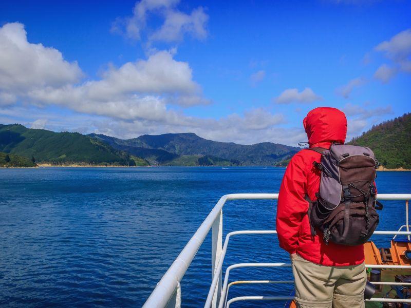 https: img.okezone.com content 2017 07 07 406 1731293 tips-travelling-ke-jerman-ala-backpacker-pilih-kereta-dibanding-bus-jPRUaN3gqU.jpg