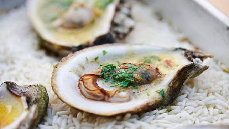 https: img.okezone.com content 2017 07 07 481 1731342 hobi-makan-seafoods-bikin-miss-v-beraroma-tidak-sedap-lMuZpOu7SS.jpg