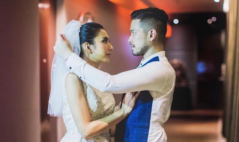 Hasil gambar untuk pernikahan tyas mirasih okezone
