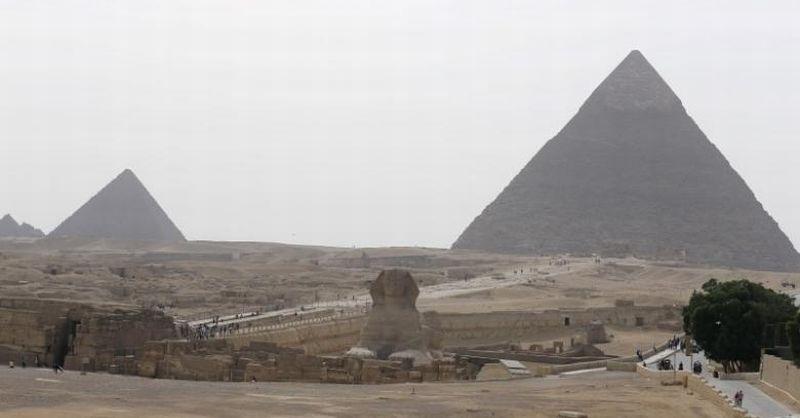 https: img.okezone.com content 2017 07 10 56 1733133 top-techno-wow-ada-kubah-piramida-di-planet-mars-LsCZezeRRe.jpg