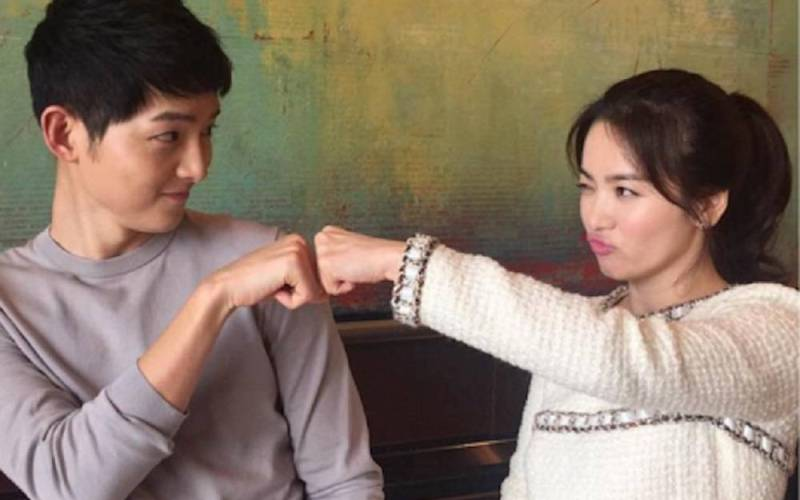 https: img.okezone.com content 2017 07 11 33 1733992 song-joong-ki-bongkar-sifat-asli-song-hye-kyo-VPApqnCKVW.jpg