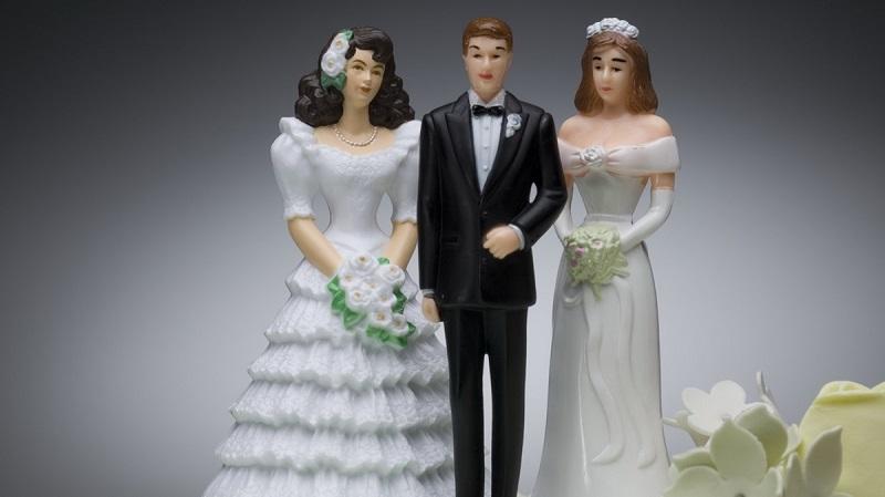 https: img.okezone.com content 2017 07 11 481 1733459 poligami-bisa-bikin-pria-panjang-umur-LctnzlcaBI.jpg