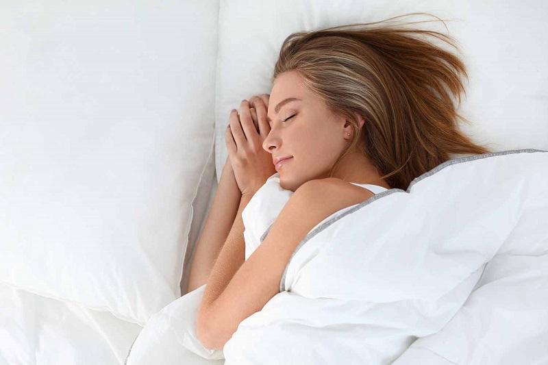 https: img.okezone.com content 2017 07 11 481 1733661 tidur-di-ruangan-terlalu-dingin-bisa-bikin-anda-sesak-napas-wRrtQ3jb3U.jpg