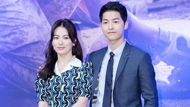 https: img.okezone.com content 2017 07 12 33 1734197 jelang-nikah-song-joong-ki-hye-kyo-makin-sering-gunakan-panggilan-sayang-xZ3gmINecG.jpg