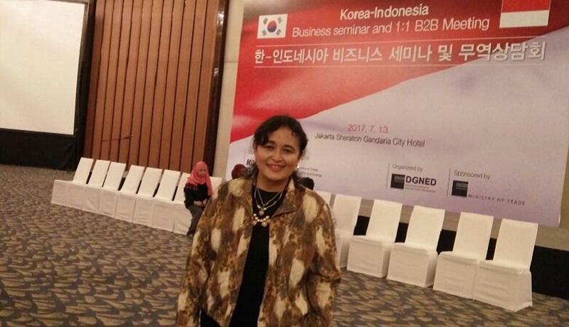 https: img.okezone.com content 2017 07 13 320 1735829 jatuh-bangun-ceo-mekarsari-snack-kenalkan-kerupuk-hingga-sambal-ke-korea-166sCQEjAV.jpg