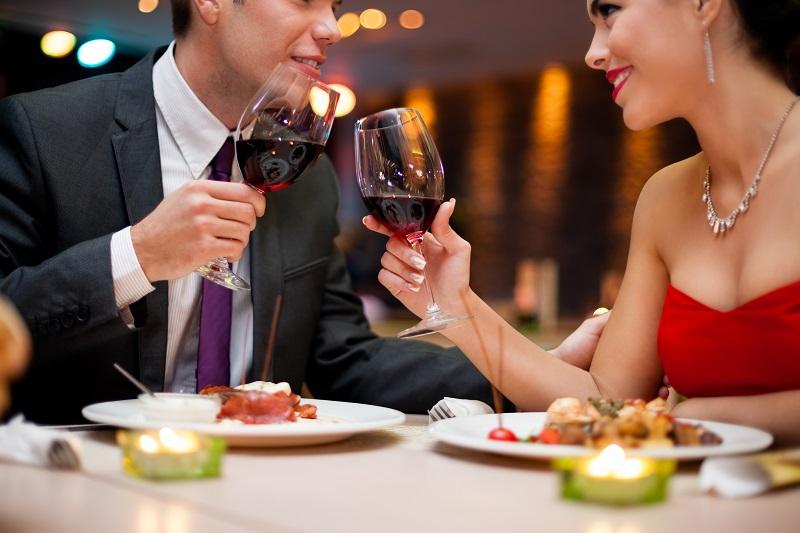 https: img.okezone.com content 2017 07 14 298 1736243 malam-minggu-mau-kencan-sama-gebetan-jangan-pilih-pasta-untuk-dinner-ya-s9EXt210mB.jpg