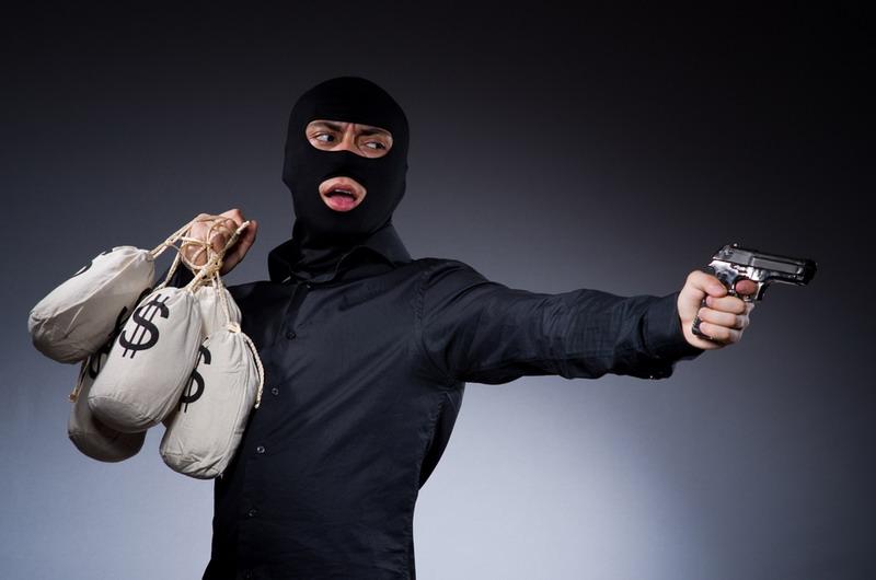 https: img.okezone.com content 2017 07 14 340 1736815 ditodong-pistol-uang-rp200-juta-untuk-beli-sawit-digasak-perampok-CgdxY8t9oE.jpg