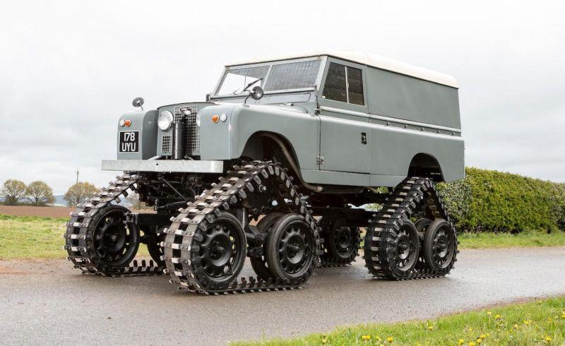 Land Rover beroda tank akan dilelang pada September mendatang (Bonhams)