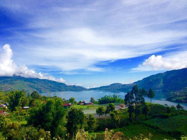 https: img.okezone.com content 2017 07 15 406 1736978 legenda-pertarungan-naga-vs-niniak-di-danau-kembar-sumatera-barat-0wJunddRv2.JPG