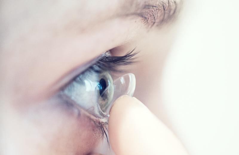 Niatnya Operasi Katarak, Dokter Malah Keluarkan 27 Lensa Kontak dari Mata Pasien