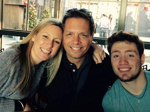 Justine bersama dengan tunangannya Don serta anak tirinya Zach Dammond (Foto: Huffington Post Australia)