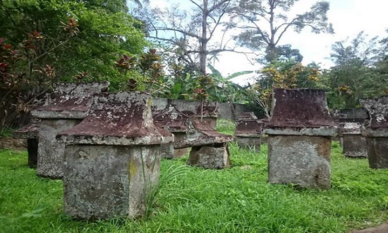 share loc taman purbakala waruga sawangan kuburan unik dari batu rh lifestyle okezone com