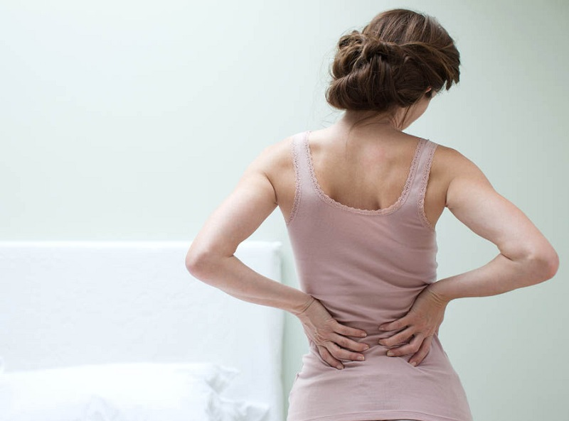 https: img.okezone.com content 2017 07 17 481 1737868 rentan-patah-tulang-terapi-glukokortikoid-solusi-untuk-pasien-osteoporosis-8H6nYIjB3h.jpg