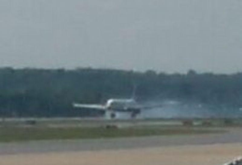 Ban Meledak saat Mengudara, Pesawat Air Canada Terpaksa Putar Balik