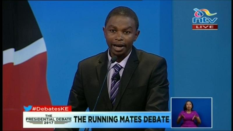 https: img.okezone.com content 2017 07 18 18 1739455 rival-boikot-debat-kandidat-cawapres-kenya-ini-tampil-sendirian-nCHfWltB8s.jpg