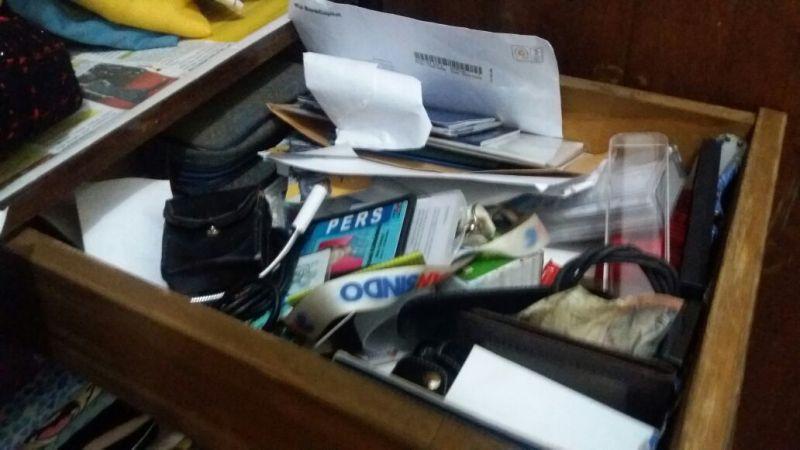 Kondisi lemari setelah di acak pencuri (Foto: Hambali/Okezone)