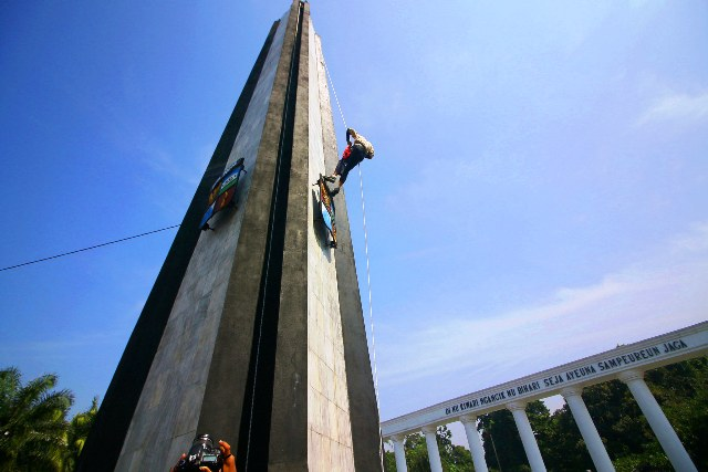 Ngumbah Tugu Kujang (foto: Putera/Okezone)