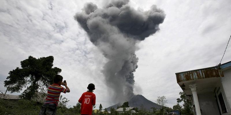 Erupsi Gunung Sinabung (Foto: Okezone)