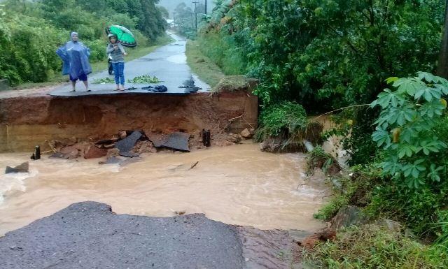 Banjir membuat sejumlah infrastruktur rusak di Belitung Timur rusak. Foto Okezone/Arsan Mailanto