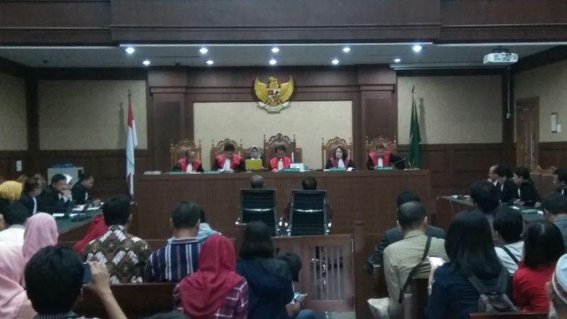 Hakim Putuskan Dua Eks Pejabat Kemendagri Wajib Bayar Uang Pengganti