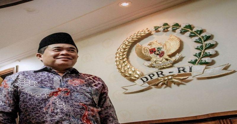 Hakim Sebut Ade Komarudin Kecipratan Uang Panas E-KTP